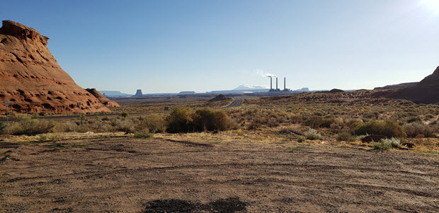 Picture of the Salt River Navajo Power Generating Station on the Navajo Reservation in Arizona